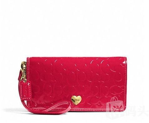 蔻驰 EMBOSSED LIQUID GLOSS DEMI CLUTCH_STYLE  F49540