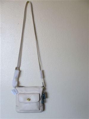蔻驰Coach F49170新款真皮时尚斜挎女士小包 (乳白色)包税包邮